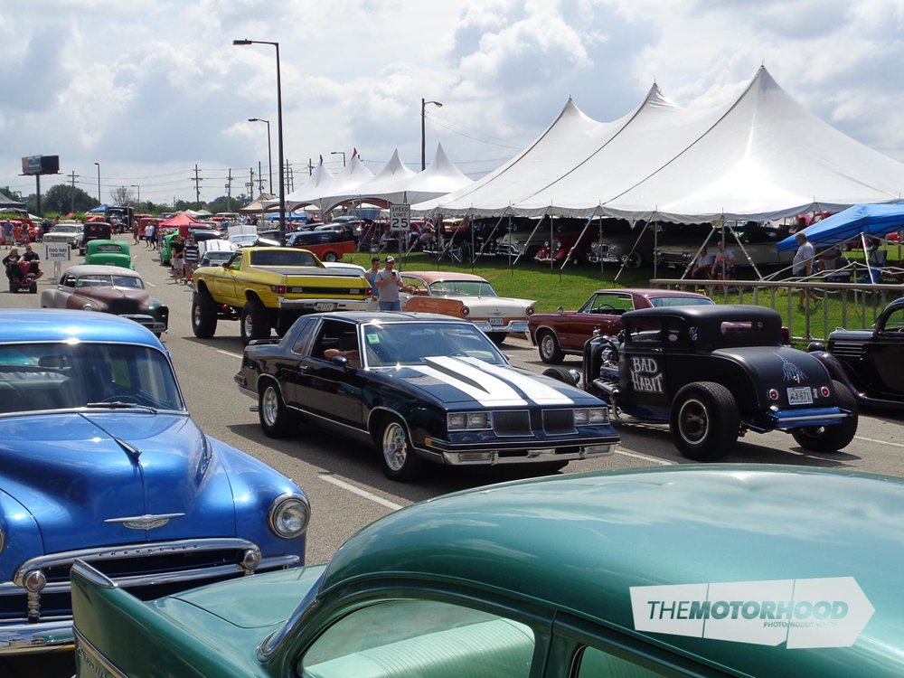 This is what 11,000+ cars cruising the showgrounds looks like.jpg