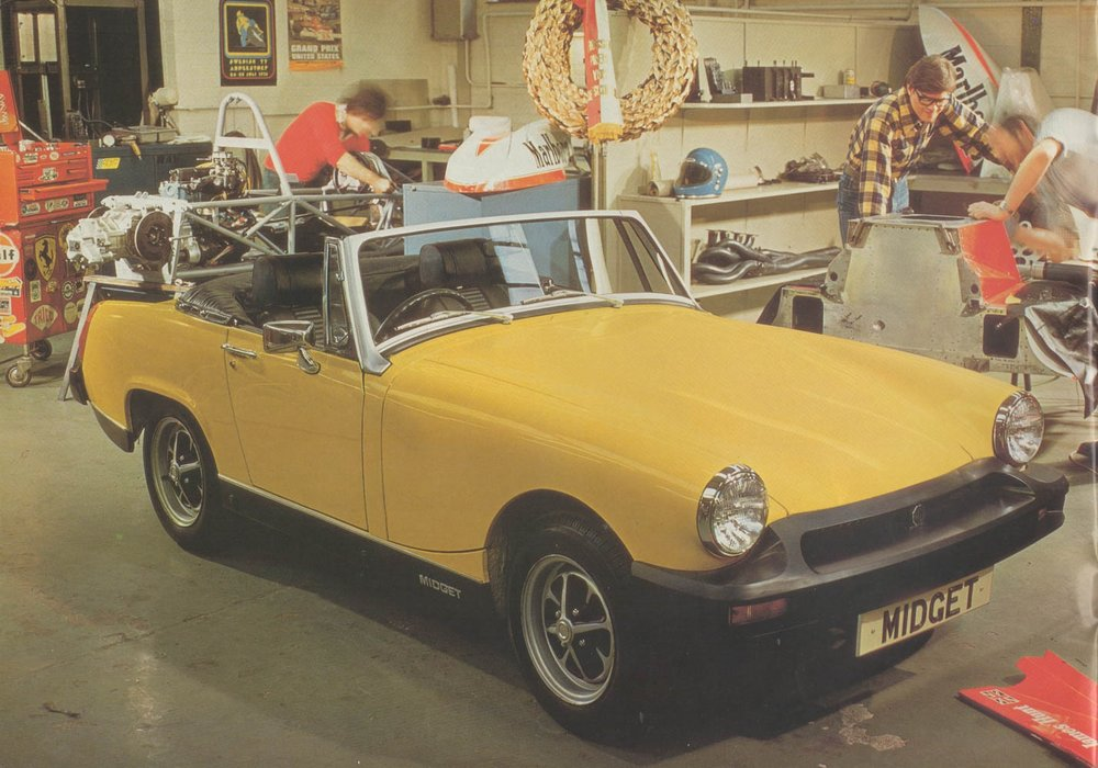 MG Midget garage.jpg