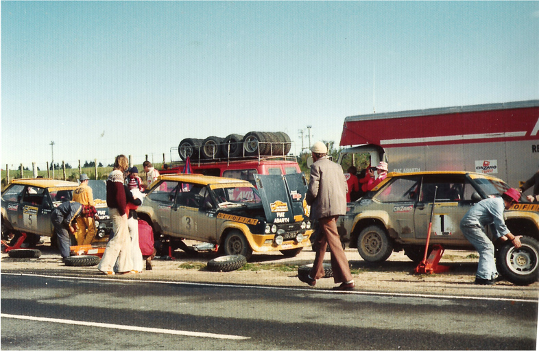 Fiat 131 - 1977 Rally NZ - 3 cars at service.jpg