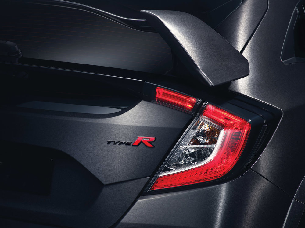 10th-gen-civic-type-r-badging.jpg