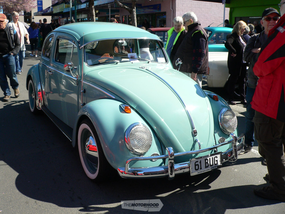 Harold & Sandra Pickles from Otumoetai own this classic 1961 VW.jpg