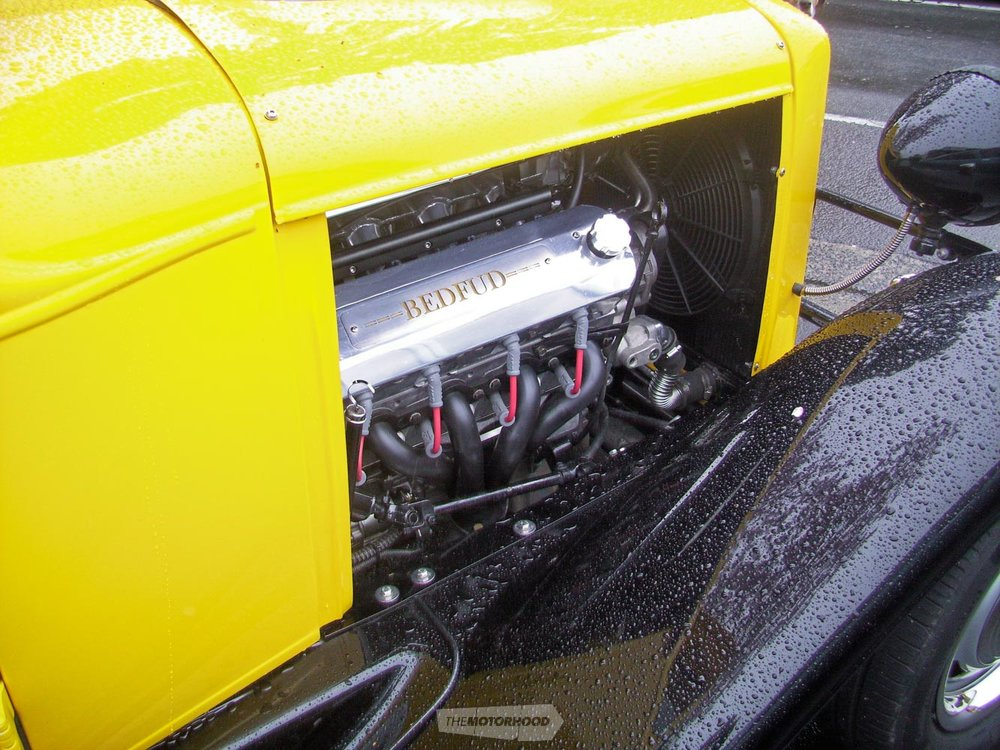 Loved the detailing on the valve covers to match the pickups name.jpg
