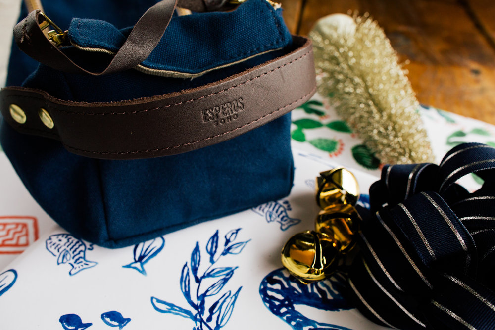 Canvas Dopp Kit in Navy by Esperos!