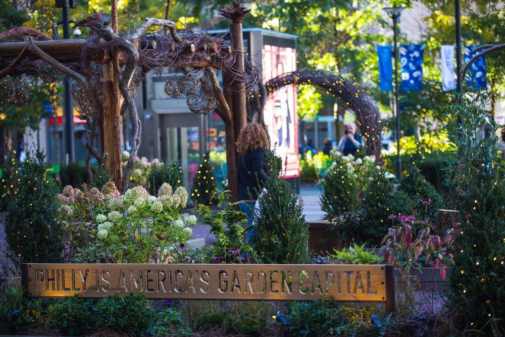 Enjoy Free Gardens Programs at the America's Garden Capital Maze