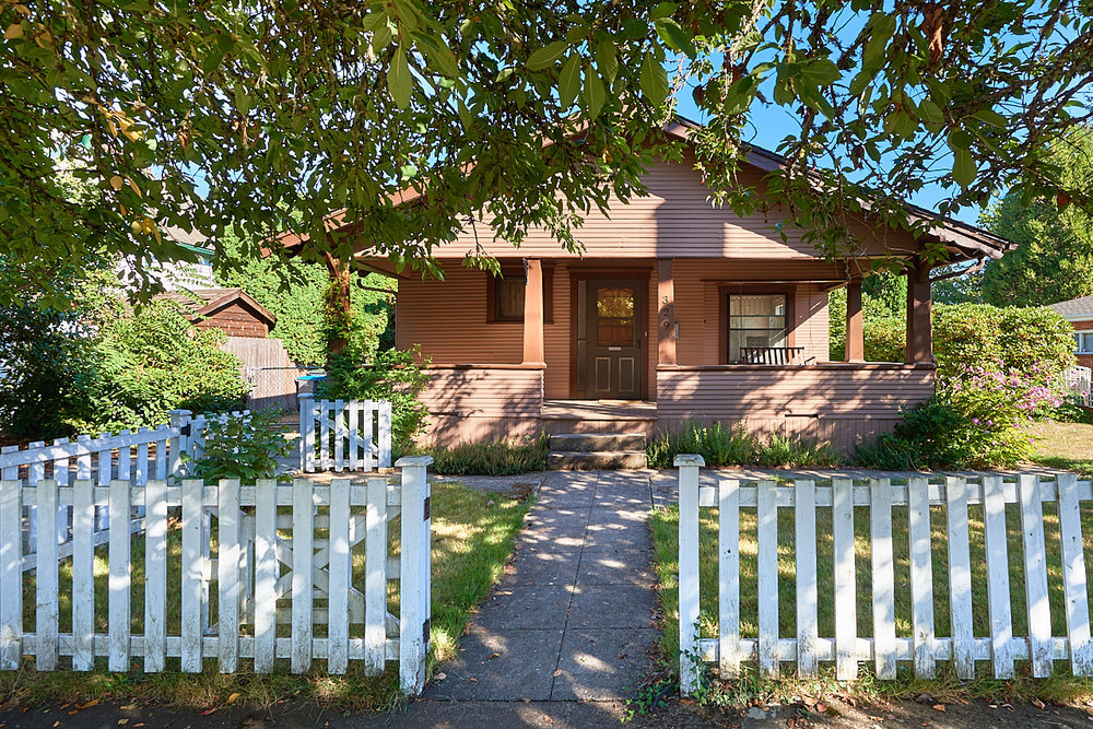 SOLD! Darling bungalow in NW McMinnville.