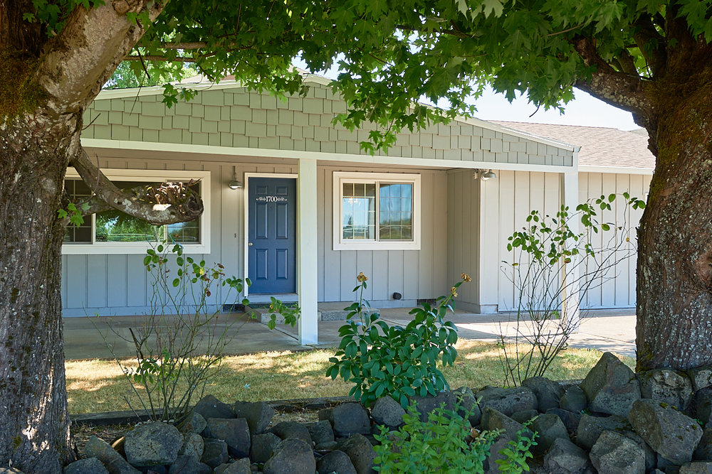 SOLD! Fully renovated cottage walking distance to Downtown McMinnville.