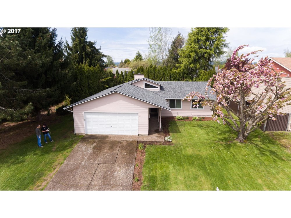 Single level ranch in McMinnville.