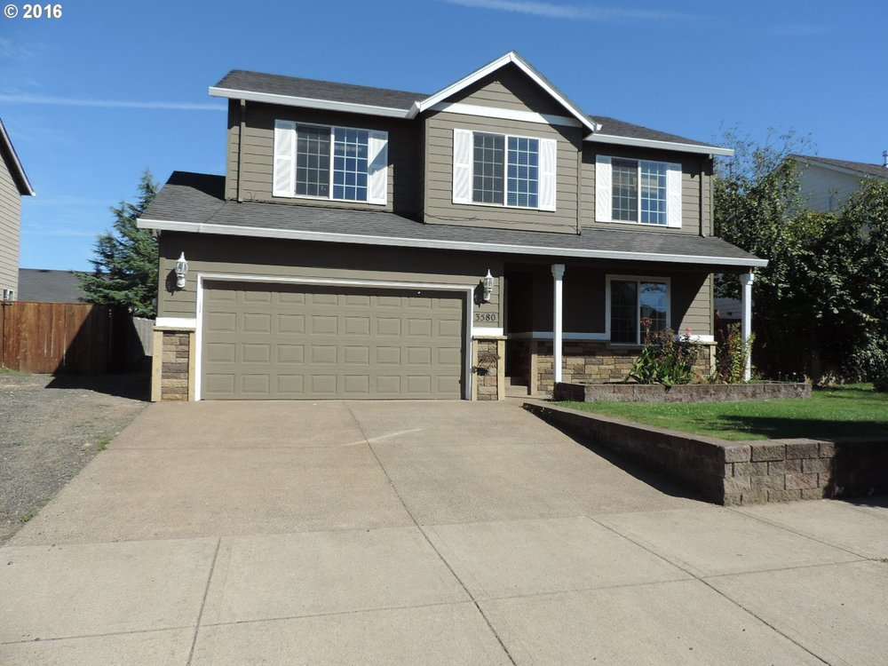 4 bedroom move in ready in McMinnville.