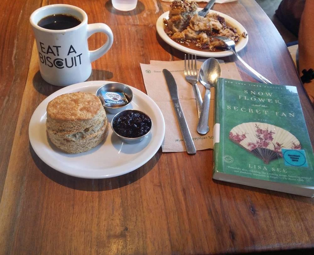 #bookclub #maybook #snowflowerandthesecretfan #lisasee #alabamabiscuit #bookstagram #biscuits #coffee