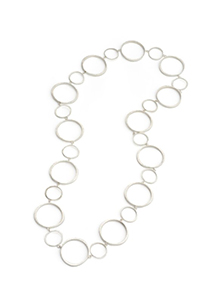Rotaing Solitaire Circlet Necklace