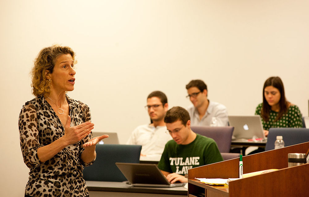 by Tulane Public Relations (Law School classes-14 uploaded by Albert Herring) [CC-BY-2.0], via Wikimedia Commons