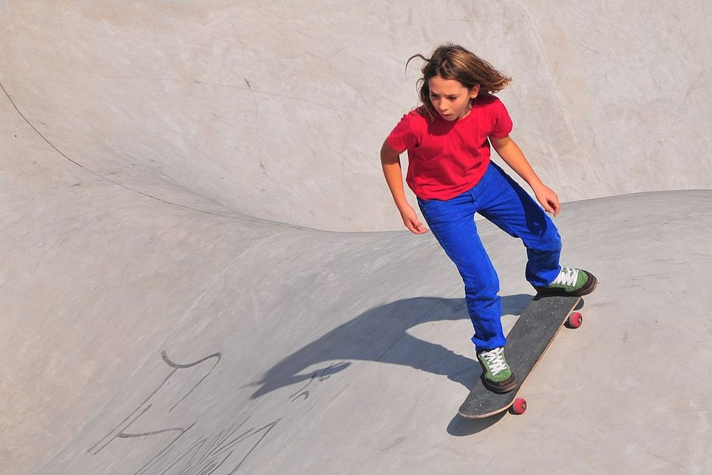 by Roger Price (Skater Girl - Park Spoor Noord) [ CC BY 2.0 ],  via Wikimedia Commons