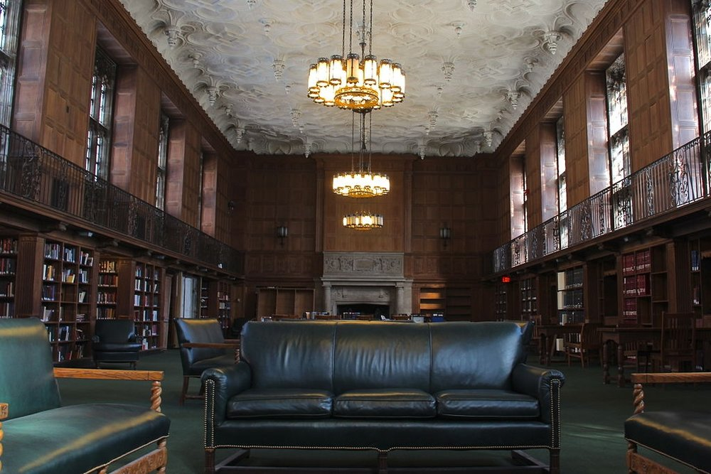 Linonia and Brothers Reading Room at Sterling Memorial Library, Yale University by Nick Allen [CC BY-SA 3.0], via Wikimedia Commons