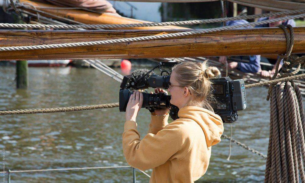 reporter-345126_1920.jpg