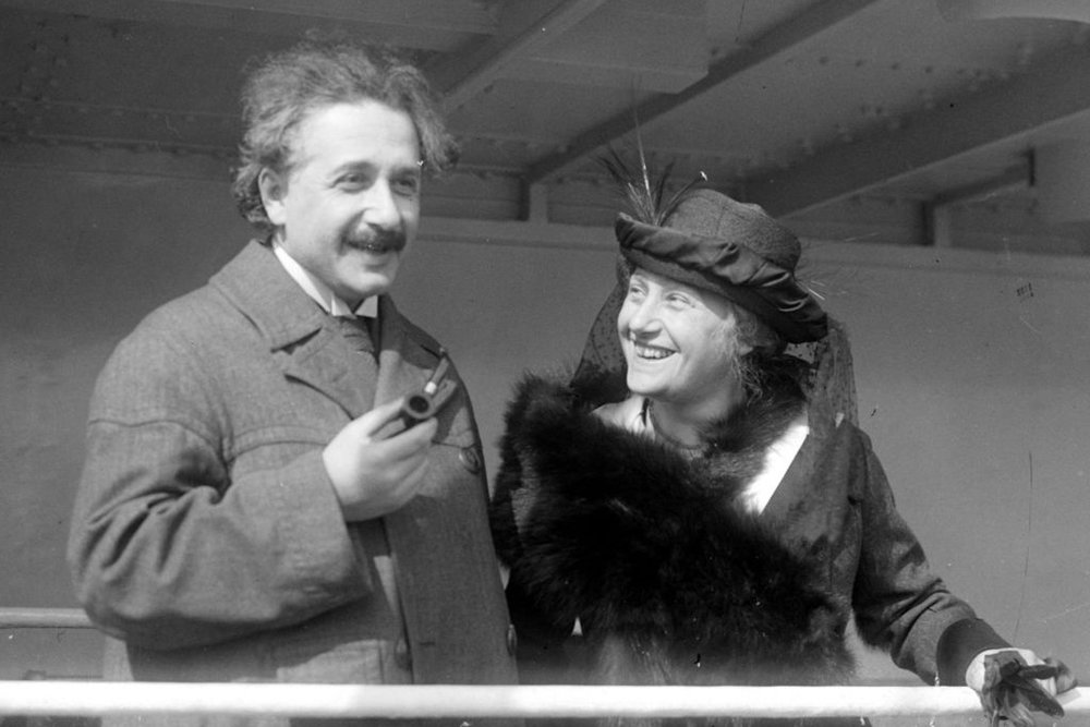 Albert Einstein and his wife, Elsa. Photo credit: Underwood and Underwood, New York [public domain],  via Wikimedia Commons