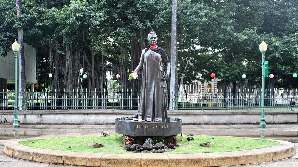 A statue of Queen Lili'uokalani. Photo credit: Cliff [ CC BY 2.0 ],  via Wikimedia Commons