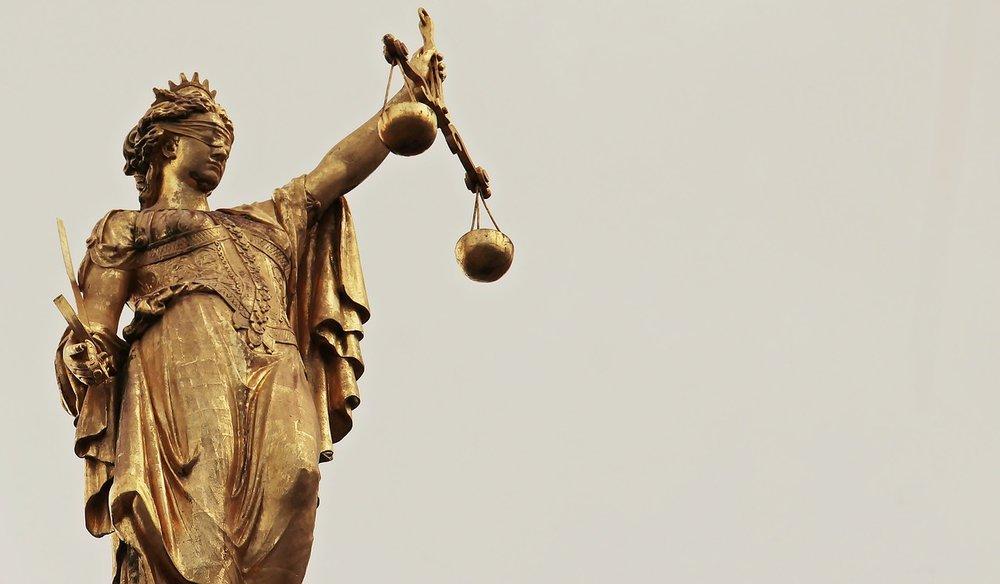 justitia-2597016_1280.jpg