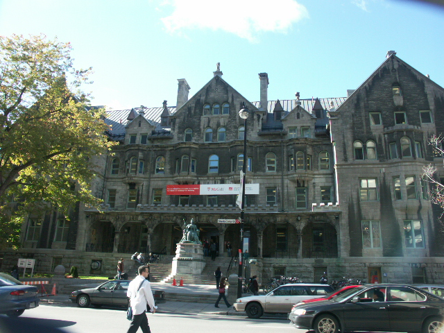 Strathcona_music_building_(McGill_University)_2005-10-21.JPG