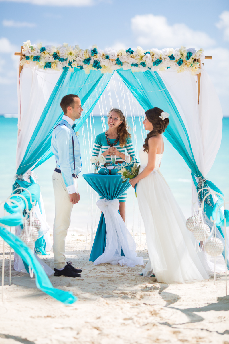 Ocean blue and white beach wedding — Weddings in DR - luxury ...