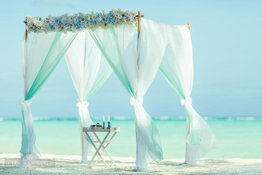 1412836251781 - wedding photos on beach
