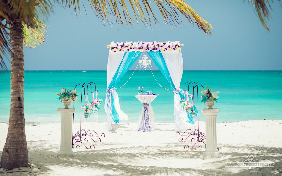 Purple And Turqoise Classic Luxury Wedding In Punta Cana Weddings In DR Luxury Destination