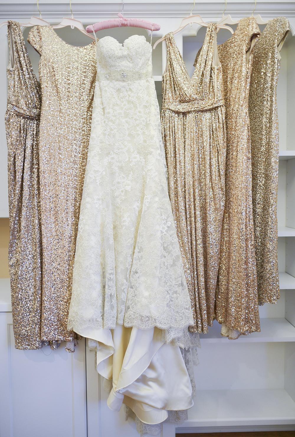 Those bridesmaids dresses... be still my heart.