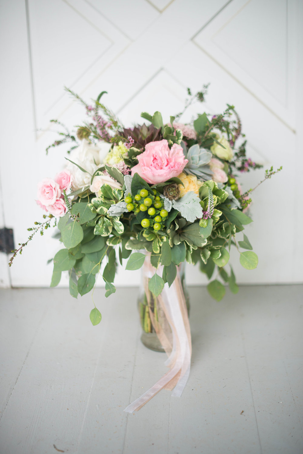 These STUNNING florals were designed by local  DeVoe Floral