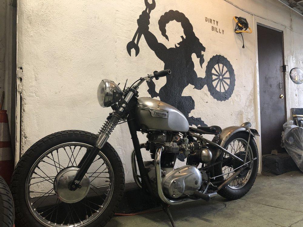 Dirty Billy Brooklyn Community Service Garage NYC 1968 Triumph Hard Tail Custom Moto.jpg