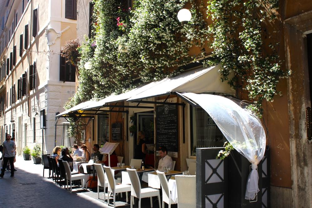 So many cute restaurants in Rome. I miss it.
