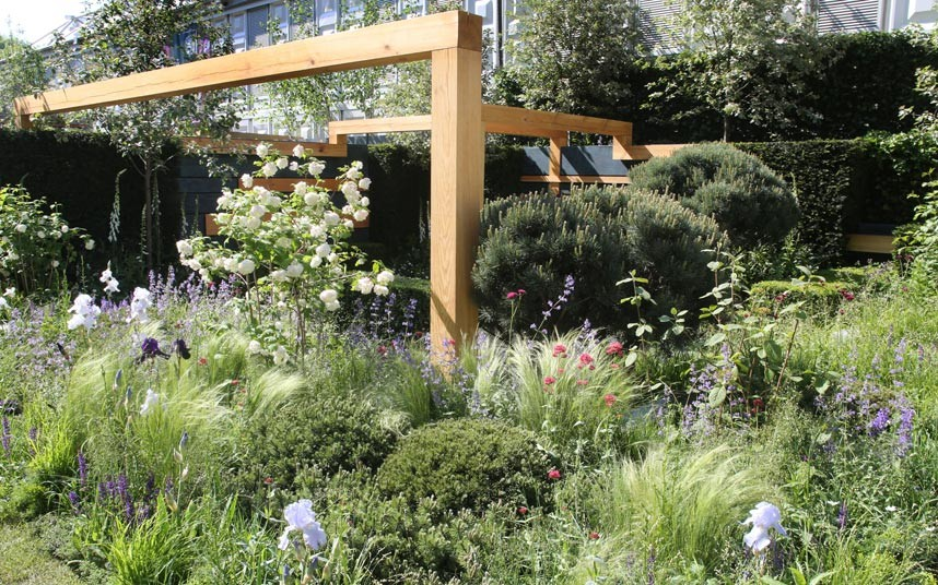 Detail Collective | Chelsea Flower Show 2014 | The Extending Space Garden by Daniel Auderset & Nicole Fischer | Photo: Martin Pope for The Telegraph