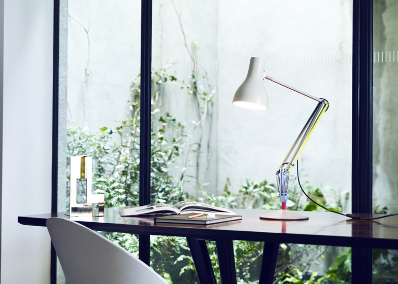 Anglepoise-lamps_Paul-Smith_dezeen_1ban.jpg