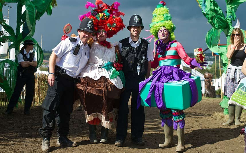 Glastonbury_police_2958470k.jpg