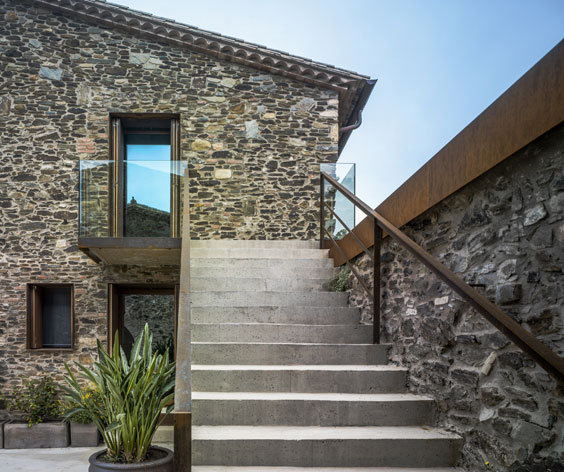 Detail Collective | Outside Spaces | Restored Spanish Farmhouse by Zest Architects | Image: Jesús Granada