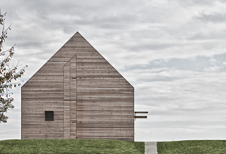 Detail Collective | Summer House designed by Judith Benzer Architektur | images via 24Gramm