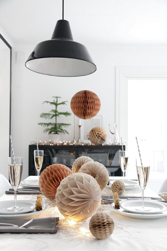 Detail Collective |   Lifestyle | Contemporary Christmas Table-scapes | Image:   Pinterest here