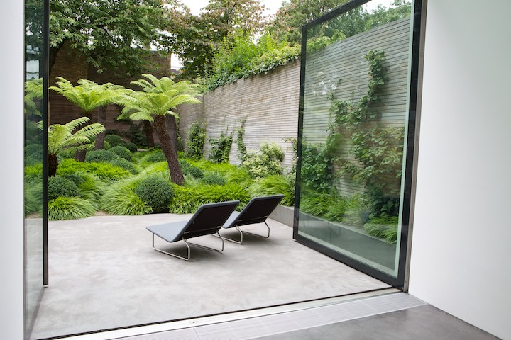 Detail Collective | Outside Spaces | London Garden by  Tom Stuart Smith  | Image: via  Guard Tillman Pollock