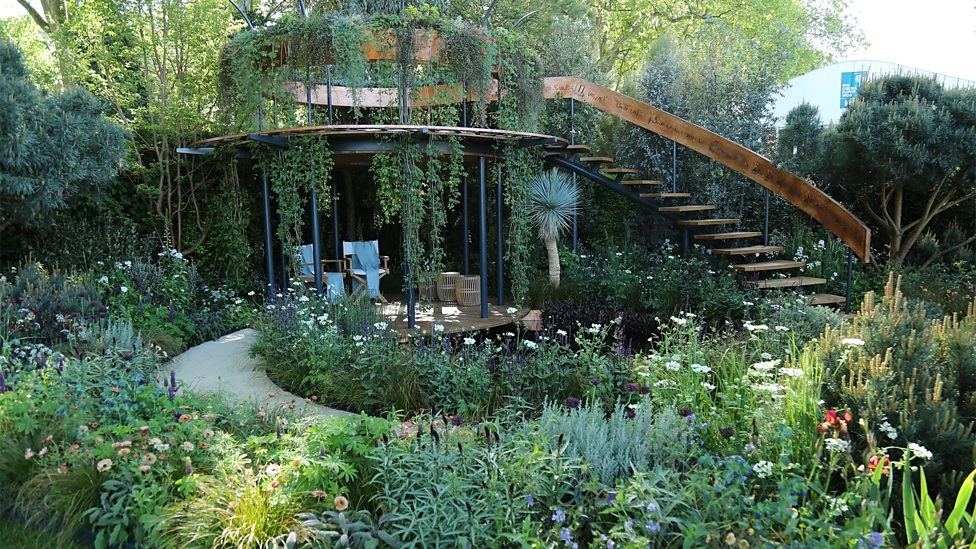 Detail Collective | Outside Spaces | RHS Chelsea Flower Show 2016 | The Winton Beauty of Mathematics Garden above by Nick Bailey | Image: BBC