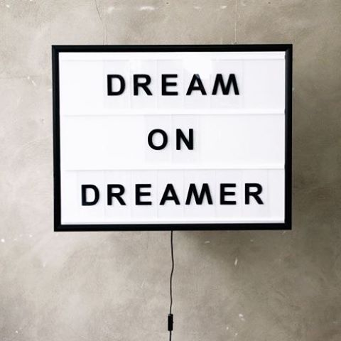 TRUTH : How great to be a dreamer... 📷via lilaliv.ch