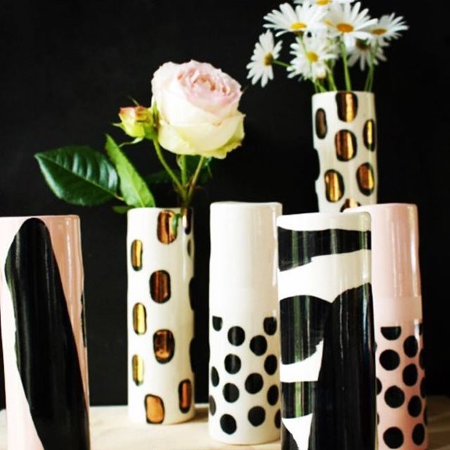 [SHOUT-OUT] : The lovely @kazmortonceramics is holding a Studio Sale tomorrow @thenookgallery in Mornington if you can get there (#youknowyouwantto)  If that wasn't enough -  kids ceramic painting workshop & a special Christmas Decoration making workshop for gold coin donation for Magic moments charity (help families in need at Chrissie). Need to book - see Kaz's profile. Oh and @commonfolkcoffee is next door. #toogoodtobetrue
