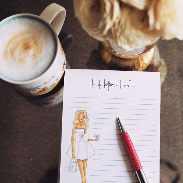 Sunday: coffee and wedding planning ☕️👰🏼 236 days, but who's counting 💋 thanks for the notepad @armindafrancesca #bridetobe #weddingplans #enjoytheride #sundaymorning #butfirstcoffee #👰🏼