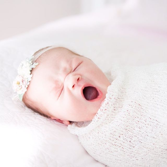 Monday morning got me like... • • • #monday #mood #butfirstcoffee #allthecoffee #newborn #newbornphotography #newbornphotographer #momtobe #babygirl #chicagophotographer #chicagofamilyphotographer #chicagonewbornphotographer #chicagonewbornphotography #newbornbaby #mondaymood