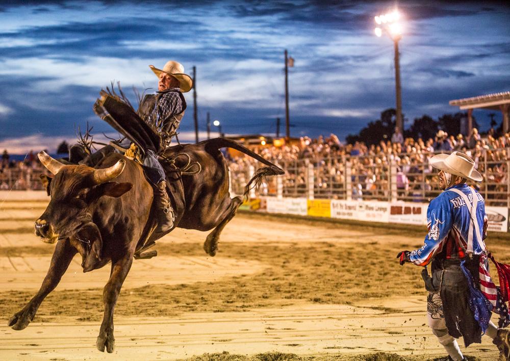 Dustin-DeYoe-Photography-Bull-Riding-2.jpg