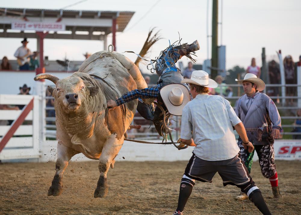 Dustin-DeYoe-Photography-Bull-Riding-7.jpg