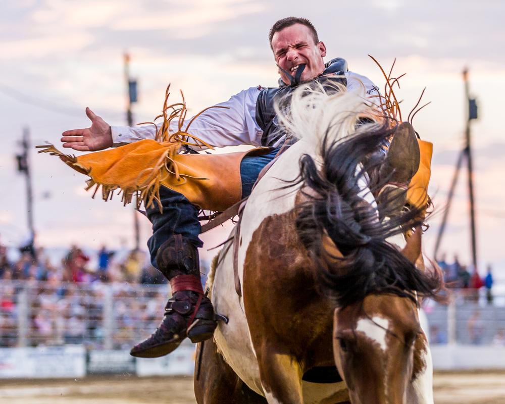 Dustin-DeYoe-Photography-Bronc-Riding-3.jpg