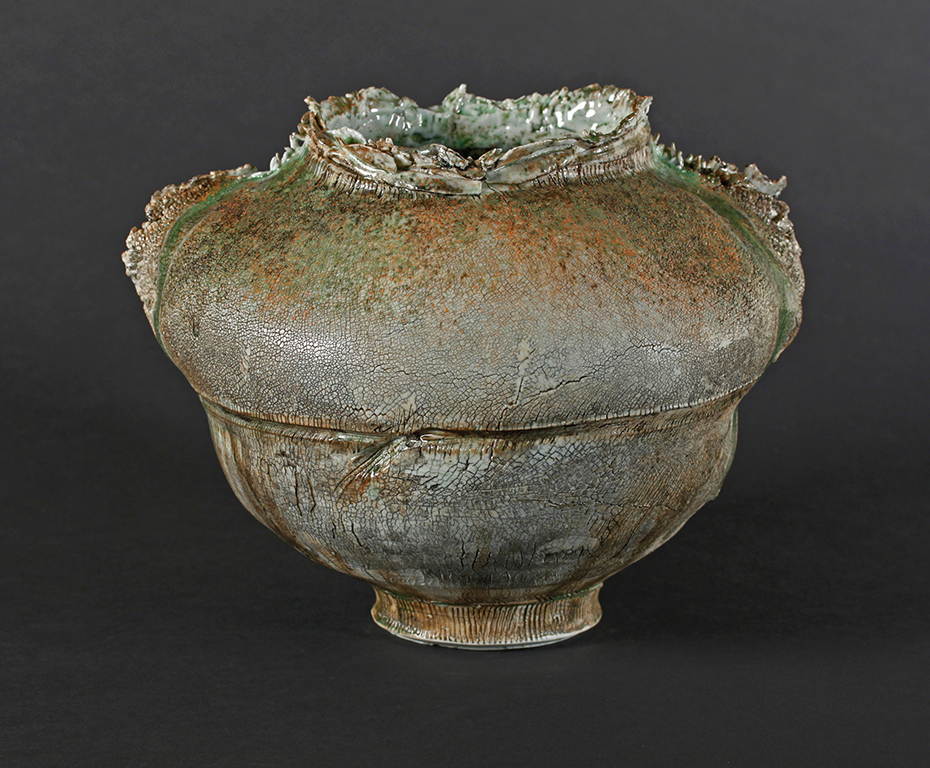 MINDY HORN :: PALM VESSEL :: ceramic :: 9h x 10w x 8d
