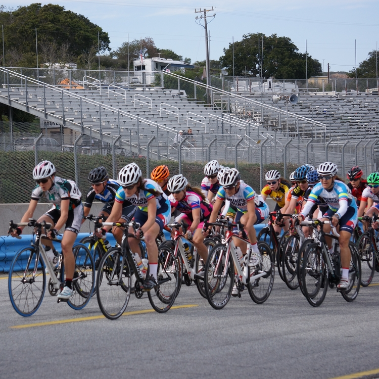 The ladies of TMBequator controlling the front at the Sea Otter circuit race