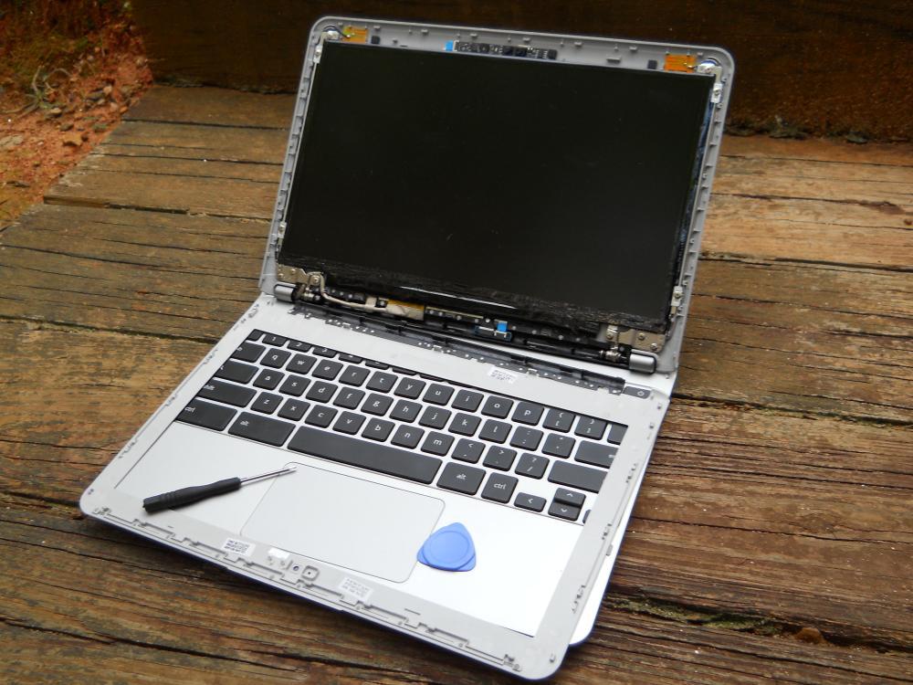 macbook screen replacements