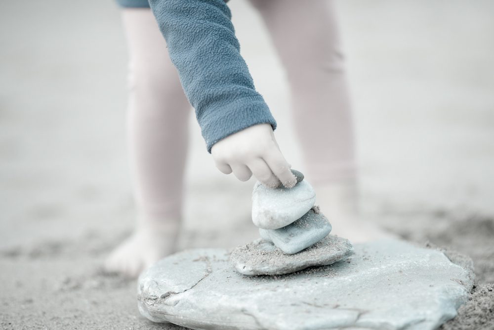 manos y piedras-2.jpg