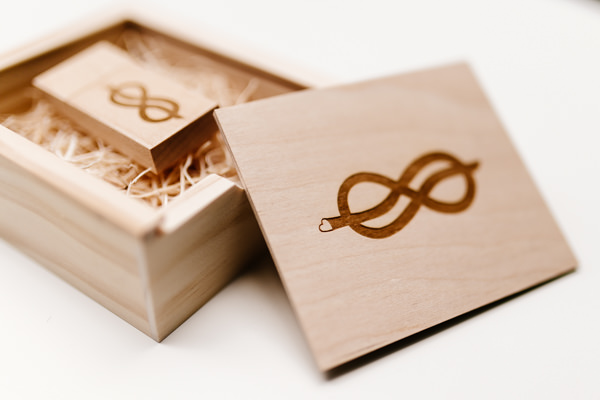 Wedding Photographer Toronto - isos photography packaging