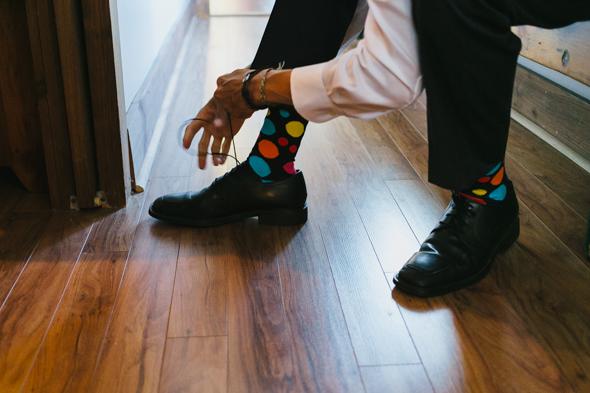 Bestmen Getting Dressed - isos photography toronto